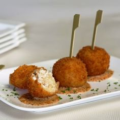 Crab Mac & Cheese Lollipops - Phillips Foods