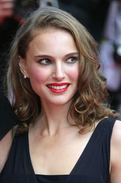 """Natalie Portman Photos - """"Indiana Jones and the Kingdom of the Crystal Skull"""" premieres at the Annual Cannes Film Festival. Melena Bob, Natalie Portman Style, Nathalie Portman, Beauty Makeup, Hair Beauty, She Walks In Beauty, Provocateur, Dior, Most Beautiful Faces"""