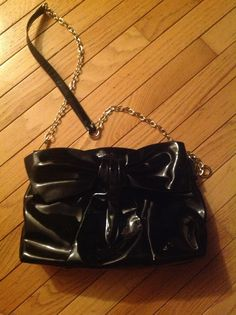Izzy and Ali Bow CROSSBODY - $25 + shipping - used once