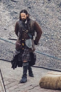 Murtagh, Jamie's devoted godfather, always has Jamie's back - played by Duncan Lacroix. English actor.