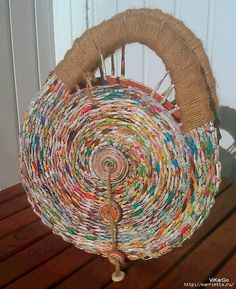 Woven newspaper circular purse with handle - very cool!