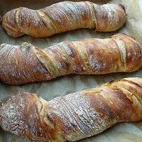 Olive and Dried Tomato Root Bread or Pain Paillasse – BONJOUR WHEAT LEAVES! Ciabatta, Hungarian Recipes, Italian Recipes, Homemade English Muffins, Good Food, Yummy Food, Bread And Pastries, Banana Bread Recipes, Bread Baking