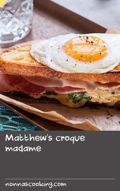 Matthew's croque madame Cheese Sandwich Recipes, White Bread, Parisian, Sandwiches, Egg, Toast, Cooking, Simple, Classic