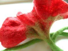 Felters Journey: TUTORIALS - Felting Flowers