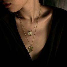 Hannah Zakari - Venus Snake and Eye Necklace