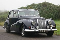 1959 Armstrong-Siddeley Star Sapphire For Sale by Auction Vintage Cars, Antique Cars, Jaguar, Star Sapphire, Abandoned Cars, Ford Models, Car Car, Old Cars, Car Parking