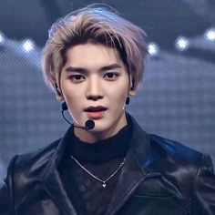Kpop Hairstyle Male, Lee Taeyong, Lee Know, Nct 127, Shinee, Cute Pictures, Rapper, Hair Cuts, Twitter