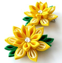 Kanzashi Fabric Flowers. Set of 2 hair clips. by JuLVa on Etsy, $13.50
