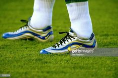 "The nike mercurial 1 model is the boot that changed the world of football equipment. Worn by Ronaldo ""o fenomeno"" during the 1998 world cup in france. Ronaldo Inter, Cool Football Boots, 1998 World Cup, World Cup Groups, Football Equipment, Soccer Cleats, Kicks, Sneakers, Shoes"