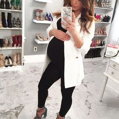 Absolutely lovingggg these long blazers! This one will be so cute in the summertime to wear over little dresses & shorts outfits! Cute Maternity Outfits, Stylish Maternity, Pregnancy Outfits, Maternity Wear, Maternity Dresses, Maternity Fashion, Cute Outfits, Maternity Style, Dress Shorts Outfit
