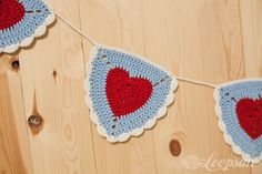 Granny Heart Triangle Bunting. Great decoration for Valentines! Free Pattern.