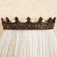 Shop decorative wall teesters and bed crowns. Add the final touch to your bedding ensemble with a stylish teester bed crown. Choose from wall teesters in many styles and finishes. Home Decor Furniture, Diy Home Decor, Bed Crown Canopy, Bed Canopies, Crown Decor, Queen Bedroom, Master Bedroom, Canopy Design, Princess Room