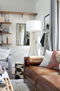 Trendy Ideas For Living Room Grey Brown White Mirror New Living Room, Home And Living, Small Living, Leather Sofa Decor, Brown Leather Sofa Living Room Decor, Leather Couches, House Tweaking, Piece A Vivre, Diy Interior