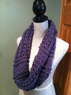 Ravelry: Easy Double-strand Chunky Cowl pattern by Louis Chicquette