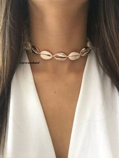 NWT NECKLACE PUCA SHELL CHOKER