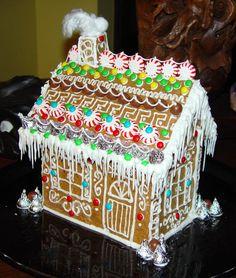 Pfefferkuchenhaus ~ Gingerbread House Gingerbread House Designs, Gingerbread House Parties, Gingerbread Village, Christmas Gingerbread House, Gingerbread Man, Christmas Baking, Holiday Fun, Christmas Time, Christmas Ideas