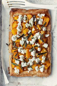 sweet potatoes and feta Pumpkin Quiche, Pumpkin Tarts, Baked Pumpkin, Pumpkin Pizza, Sprout Recipes, Quiche Lorraine, Kitchenaid, Food Inspiration, Love Food