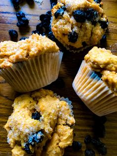 Classic Southern Blueberry Muffins is the best Muffins recipe perfect for the hot summer months! It's sweet and easy Muffins recipe which even kids can make easily. Here's the recipe for an eggless version of the classic Southern Blueberry Muffins. Healthy Breakfast Recipes, Breakfast Ideas, Easy Pie Crust, Simple Muffin Recipe, Frozen Blueberries, Yum Food, Blue Berry Muffins, Summer Months, Muffin Recipes