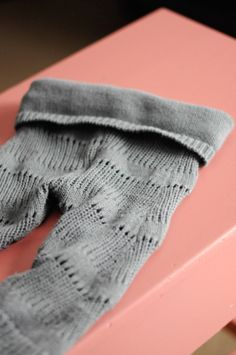 Shabby Gals: Sweater Leggings (a DIY)