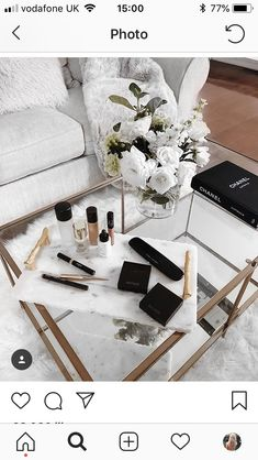 Image uploaded by sündos. Find images and videos about white, makeup and flowers on We Heart It - the app to get lost in what you love. Home Design, Home Interior Design, Interior Decorating, Interior Inspiration, Room Inspiration, Living Room Decor, Bedroom Decor, Cozy Bedroom, Bedroom Ideas