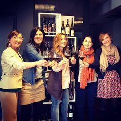 Feliz Día Internacional de la Mujer Trabajadora!! Salud! Happy Internacional Woman´s Day!! The Vintae women say Cheers!!