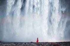 Reizigers in adembenemende landschappen