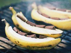 Gegrillte Schokobananen ist ein Rezept mit frischen Zutaten aus der Kategorie Obst. Probieren Sie dieses und weitere Rezepte von EAT SMARTER!