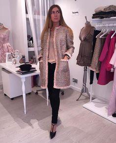 WEBSTA @ the_lumiere - NEW! Сшито на заказ для нашей клиентки 🌸💗 пальто из твида Chanel (такой твид закончился ) на заказ большой выбор твида ! Доставка по всему миру 🌍 для заказа 📱sms/what's up/viber 79215551381