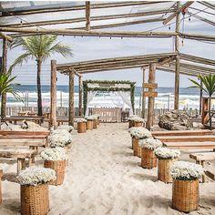Decoração caminho para o altar - casamento na praia