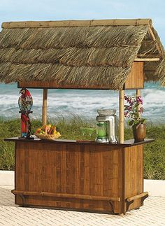 Just pull up a stool to this outdoor bar and you'll feel like you're in the tropics.