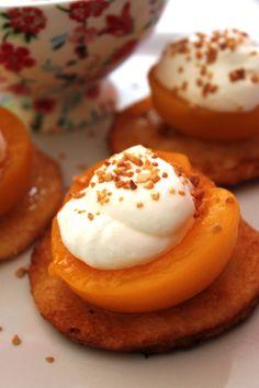 http://decocinasytacones.blogspot.com.es/2013/03/torrijas-y-melocoton-peaches-and-french.html
