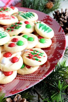 With this Whipped Christmas Shortbread recipe, you can have shortbread cookies ready to eat in less than 30 minutes! I'm completely in love with this shortbread… Cookie Dough Recipes, Baking Recipes, Dessert Recipes, Baking Ideas, Appetizer Recipes, Easy Recipes, Best Shortbread Cookies, Shortbread Recipes, Fancy Cookies