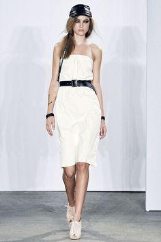 Costello Tagliapietra Spring 2009 Ready-to-Wear Fashion Show - Heloise Guerin