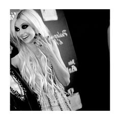 taylor momsen | Tumblr ❤ liked on Polyvore featuring people, taylor momsen, fotos and girls
