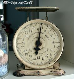Vintage Scale. I would like to find a spot in my kitchen for one if these.
