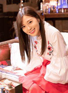 Sexy Asian Girls, Beautiful Asian Girls, Cute Japanese Girl, Fantasy Character Design, Asian Woman, Cute Girls, Ruffle Blouse, Dreadlocks, Actresses