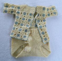 Vintage handmade knitted baby outfit top and bottom vintage baby clothes antique wool like baby suit Knitted Baby Outfits, Baby Suit, Vintage Baby Clothes, Diaper Covers, Knit Or Crochet, Wool Yarn, Baby Knitting, Babies, Couture