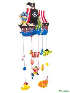 """GIOCO GIOSTRA NAVE DEI PIRATI in Legno cm 25x25x68 h - Per Lettino Culla Box Cameretta Bambini Simpatica Giostra da appendere, con la NAVE DEI PIRATI in legno colorato. Ci sono: il Pirata, il Pappagallo, Il Forziere del tesoro, il Fantasma, il Salvagente e i """"Dobloni"""".  La Giostra è adatta per i Lettini, Box Culle o per l'angolo giochi.  La Nave e i soggetti dei Pirati faranno la gioia dei bambini.   Dimensioni cm 25 x 28 x 68 h.  Dimensioni Nave cm 25 x 24.  Dimensioni Soggetti da cm 5 a cm…"""