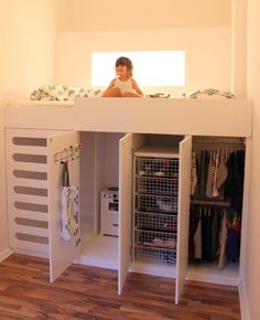 Never Mind a Kids room.~B Kids room Storage Solution Idea - What a great idea. Would work in a small bedroom too. Lots of storage & a fun place to sleep.Do a full size bed for room for friends. Closets Pequenos, Kura Ikea, Ikea Loft Bed Hack, Kura Bed Hack, Ikea Stuva, Ikea Bed, Deco Kids, Kid Beds, Bunk Beds