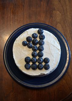 No sugar banana cake with cream cheese frosting the smash cake! Glad I finally found a recipe I'm comfortable with for Emma. No sugar banana cake with cream cheese frosting the smash cake! Glad I finally found a recipe I'm comfortable with for Emma. Smash Cake Recipes, Cake Smash, Baby Food Recipes, Food Baby, Healthy Cake, Healthy Smash Cakes, Healthy Pumpkin, Healthy Frosting, First Birthday Cakes