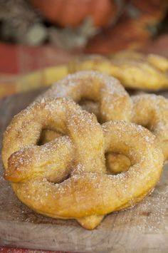 Pumpkin Recipes | Soft, delicious pumpkin pretzels coated in cinnamon sugar made from scratch and perfect for fall! Pumpkin season isn't complete without these.