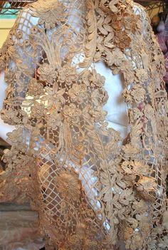ANTIQUE BELLE EPOQUE TAPE LACE DRESS FLOUNCE EXTRAVAGANT & LARGE SCALE DESIGN | eBay