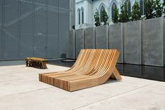 The People's Bench (坐人) is a public furniture using salvaged wood from Singapore's national parks.