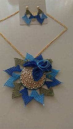 This Pin was discovered by Gül Lace Art, Point Lace, Needle Lace, Diy Accessories, Bead Art, Needlepoint, Needlework, Diy And Crafts, Crochet Necklace