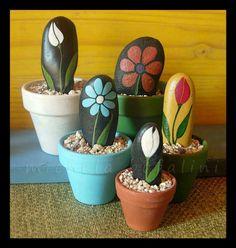 Preciosas. Alla dnd vea piedras de estas... las cogeré para pintar y decorar.