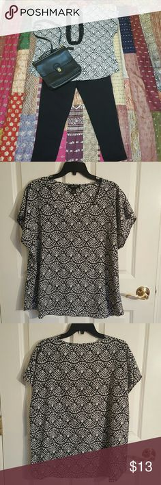 Style&Co. Blouse Short Sleeve Black/White Sz L Cute Black and White Print Short Sleeve  Blouse with a Slight High/Low Hem Size Large... Can Dress it Up or Down... Style & Co Tops Blouses