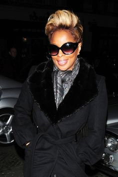 Mary J. Blige Hair- blonde highlights