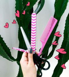 materiais ideais para fazer a sua calça rasgada vem ver os passos la no blog: http://tudoitgirls.blogspot.com.br