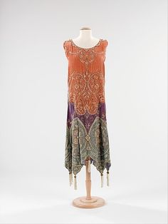 Evening dress Callot Soeurs (French, active Designer: Madame Marie Gerber (French) Date: ca. 1923 Culture: French Medium: silk, metal, pearl Dimensions: Length at CB: 47 in. 20s Fashion, Moda Fashion, Fashion History, Art Deco Fashion, Vintage Fashion, Womens Fashion, Fashion Design, Victorian Fashion, Fashion Ideas