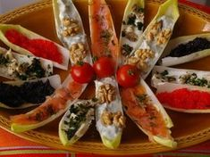 Toasts aux endives Antipasto, Tapas, Hors D'oeuvres, Appetizers For Party, Recipe Collection, Fresh Rolls, Finger Foods, Sushi, Good Food